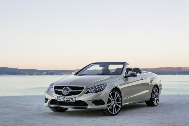 La Mercedes Classe E cabriolet... (PHOTO FOURNIE PAR MERCEDES-BENZ)