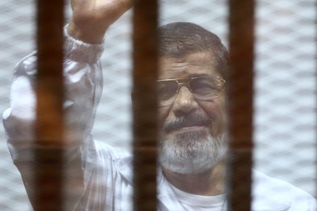 L'ex-président islamiste égyptien Mohamed Morsi, photographié en décembre... (PHOTO AHMED RAMADAN, AGENCE FRANCE PRESSE)