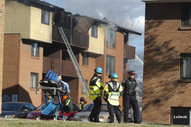 Le vent a compliqué le travail des pompiers... (Martin Roy, LeDroit)