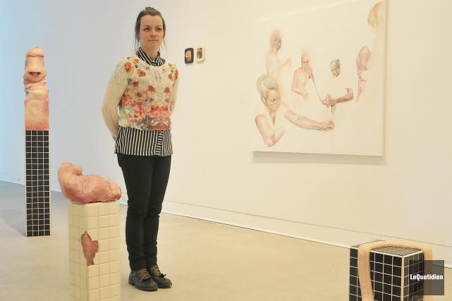 Cindy Dumais propose quelques sculptures, ainsi que des... ((Photo Le Quotidien-Rocket Lavoie))