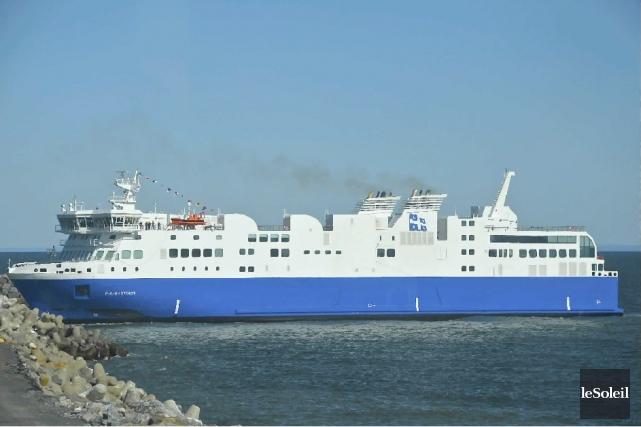 L'imposant navire de la Société des traversiers du... (Photothèque Le Soleil, collaboration spéciale, Johanne Fournier)