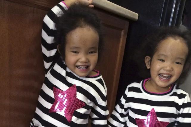 Binh et sa soeur jumellePhuoc... (Photo fournie par la famille)
