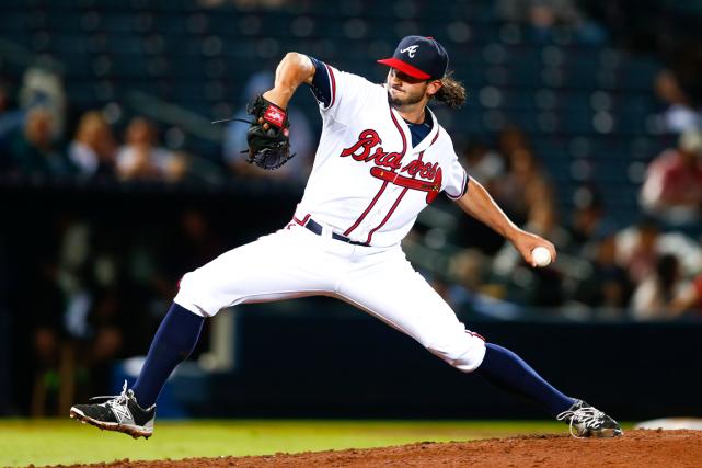 Le releveur Andrew McKirahan, des Braves d'Atlanta,a échoué... (Photo John Bazemore, AP)