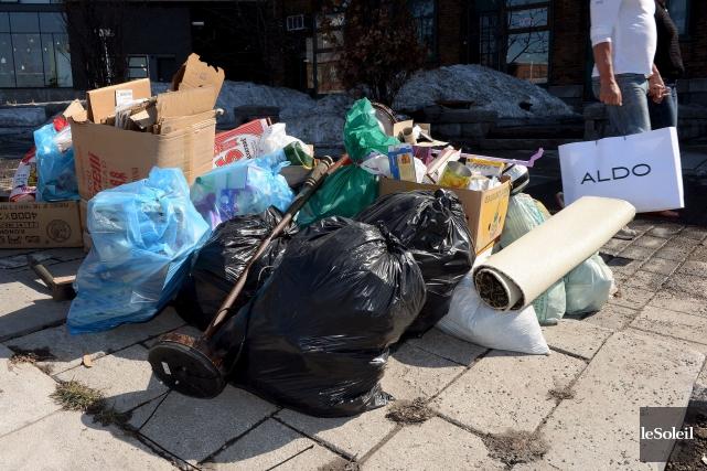 Les règles sur la collecte des ordures et... (Photothèque Le Soleil, Erick Labbé)
