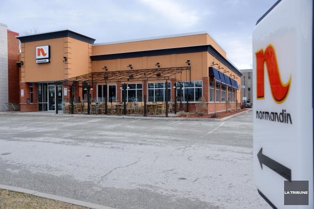 Le restaurant Normandin situé sur la rueKingEst a fermé ses portes lundi. Une... (Imacom, Frédéric Côté)