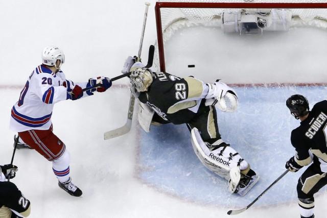 Chris Kreider a marqué le but de la... (Associated Press)