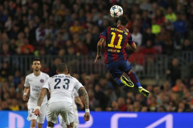 Neymar, avec un doublé en première période, a... (Photo AP)