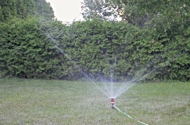 Afin de répondre à la Stratégie québécoise d'économie d'eau potable, la Ville...