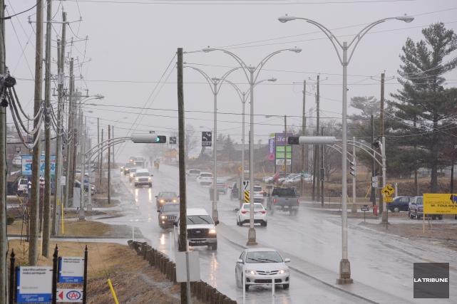 Le maire Bernard Sévigny reconnaît que la Ville de Sherbrooke aurait dû... (Imacom, Frédéric Côté)