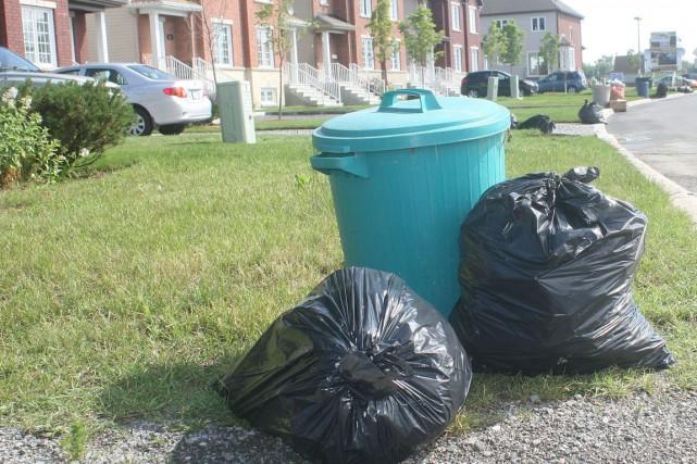La voirie et la collecte des ordures ménagères et du recyclage sont encore les... (Étienne Ranger, Archives LeDroit)