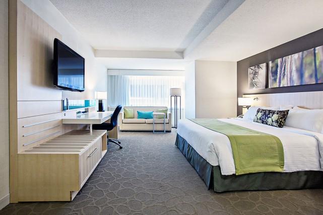Cette chambre est spacieuse. Les séjours étant courts,... (Photo de Stéphanie de la Ronde, fournie par Delta Québec)