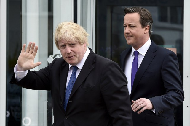 Le maire de Londres Boris Johnson (à gauche)... (PHOTO TOBY MELVILLE, REUTERS)