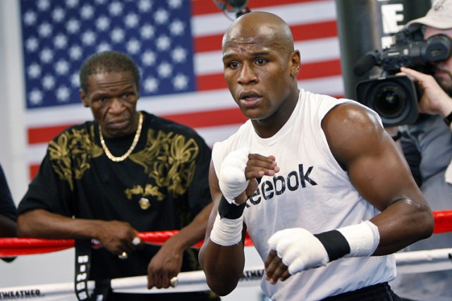 Floyd Mayweather... (Archives AP)
