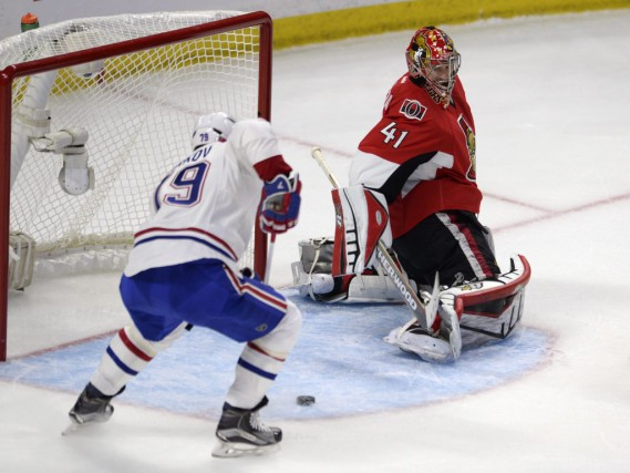 Montreal Canadiens' Andrei Markov (79) just misses the... (PC)
