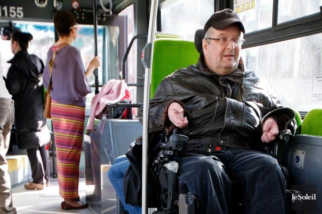 Christian Dufour, qui est devenu quadriplégique peu avant... (Photothèque Le Soleil, Yan Doublet)