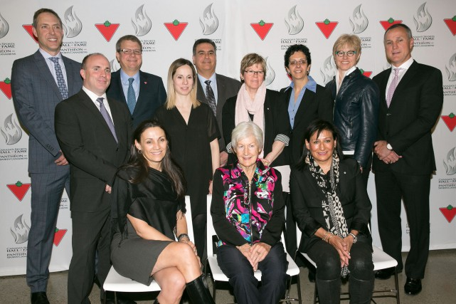 La Shawiniganaise Jocelyne Bourassa (au centre, derrière) fera... (Photo: La Presse Canadienne)