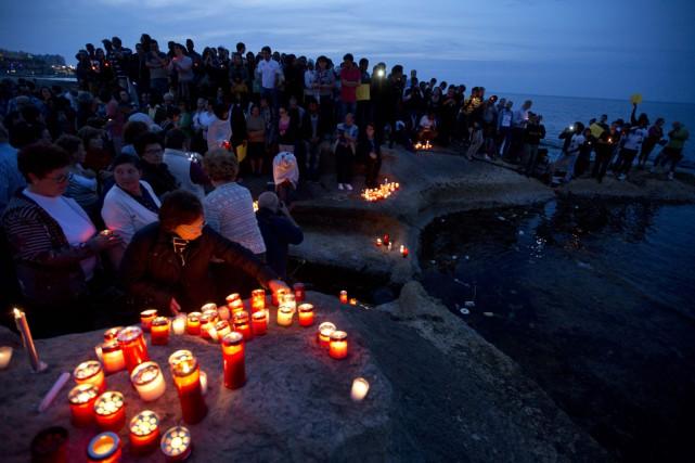 Depuis janvier, 1700 migrants sont morts en tentant... (PHOTO ALESSANDRA TARANTINO, ARCHIVES AP)