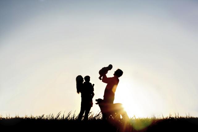 Nous sommes une famille de quatre: maman, papa et deux beaux enfants... (Illustration Thinkstock)