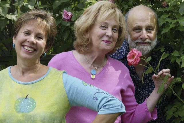 Sharon Hampson, Lois Lilienstein et Bram Morrison du... (Photo: archives La Presse Canadienne)