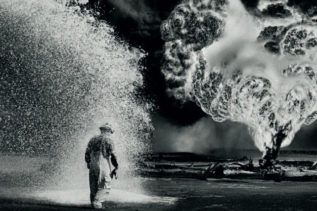 Sebastião Salgado a photographié les 500 puits de... (Photo fournie par Métropole Films)