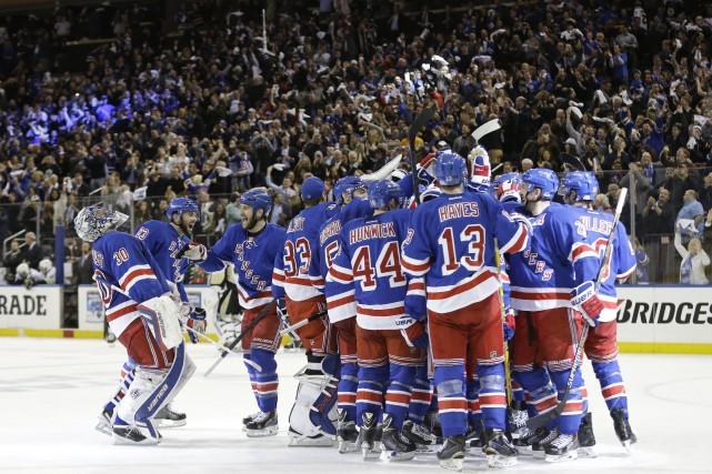 Après cette victoire, les Rangers affronteront les vainqueurs... (Photo Frank Franklin II, AP)