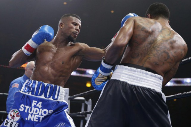 Badou Jack a été déclaré vainqueur aux points... (Photo Kamil Krzaczynski, USA TODAY Sports)