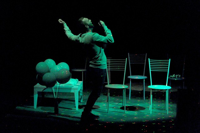 La pièce Les têtes baissées, présentée au Prospero.... (Photo Caroline Laberge, présentée par le Prospero)