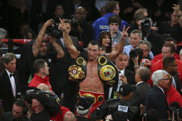 Klitschko a signé une 18e défense consécutive de son... (PHOTO BRAD PENNER, USA TODAY)