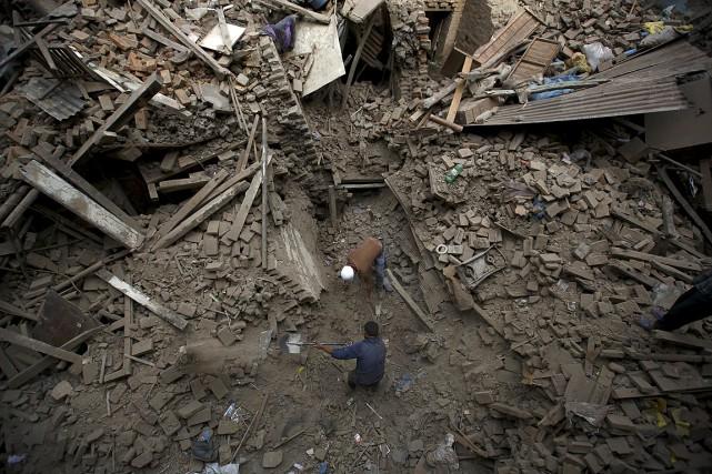 Le tremblement de terre survenu au Népal est... (PHOTO Navesh Chitrakar, REUTERS)