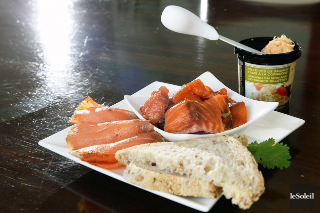 Le «saumoscuitto» (roulé), les rillettes de saumon fumé... (Le Soleil, Patrice Laroche)