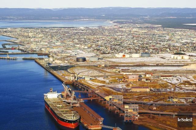 Les installations portuaires de la compagnie minière IOC... (Archives Le Soleil)