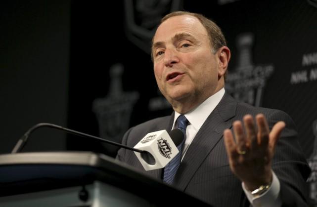 Le commissaire de la LNH Gary Bettman.... (La Presse Canadienne)