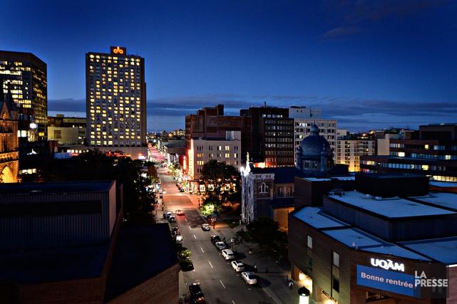 Le projet de la Ville de Montréal visant à permettre aux commerces du... (PHOTO BERNARD BRAULT, ARCHIVES LA PRESSE)