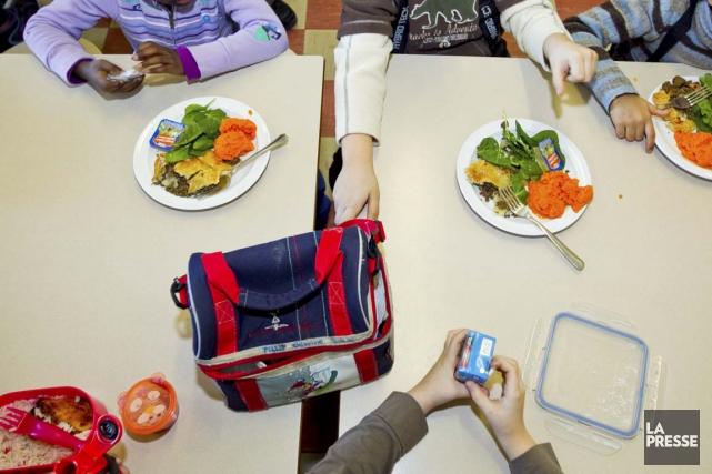 L'abolition d'une mesure qui étendait l'aide alimentaire aux... (PHOTO ALAIN ROBERGE, ARCHIVES LA PRESSE)