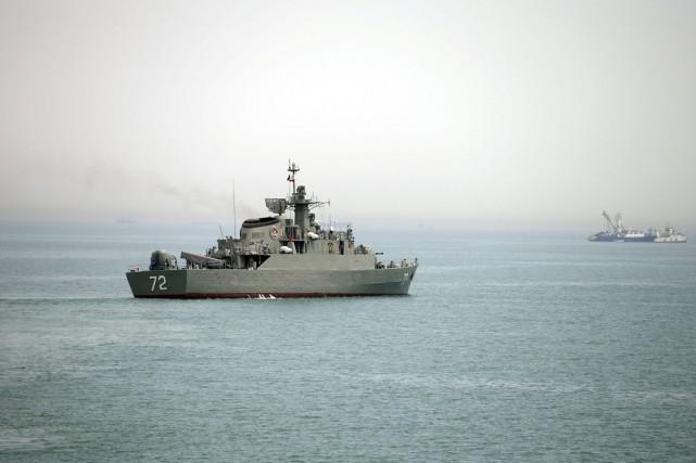 Le navire de guerre iranien Alborz est vudans... (PHOTO MAHDI MARIZAD, ARCHIVES AP/FARS)
