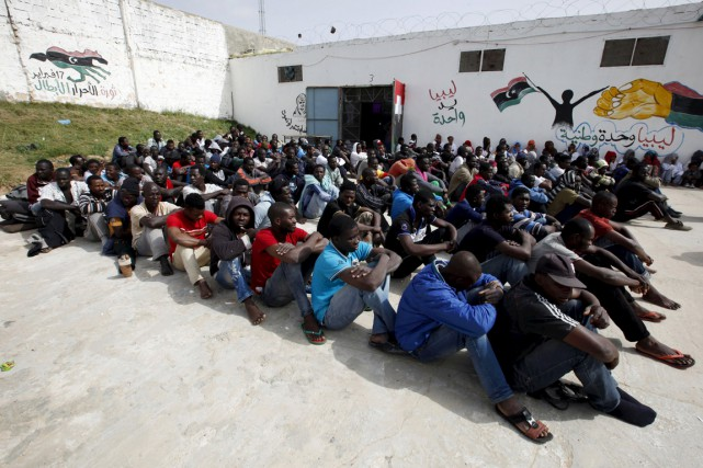 Le nombre de migrants ou de demandeurs d'asile... (PHOTO ISMAIL ZOUTINY, ARCHIVES REUTERS)