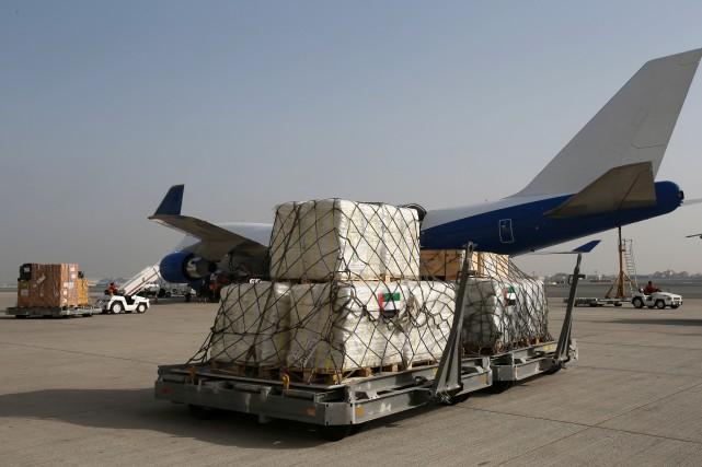 L'ampleur de la catastrophe et de l'aide à apporter ont empêché le déploiement... (Photo AP)