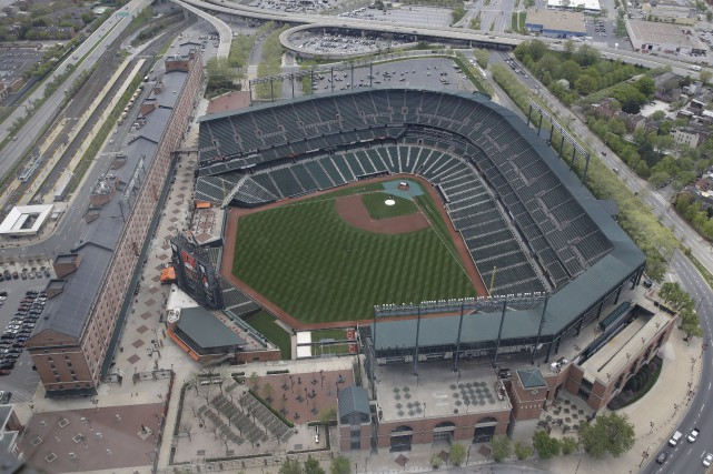 Le Camden Yards vue des airs, mardi... (Associated Press)