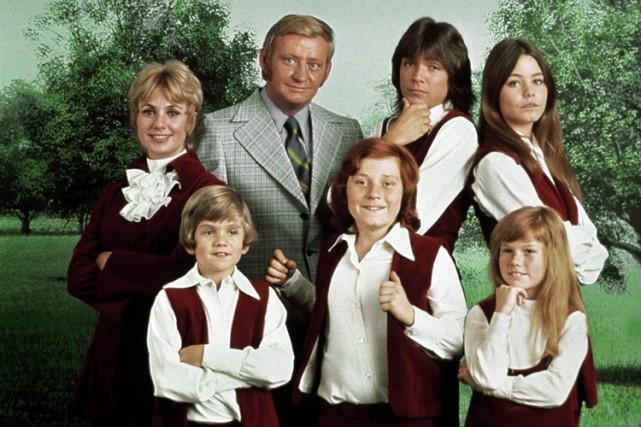 Suzanne Crough Condray, en bas à droite, en... (Sony Pictures Television)