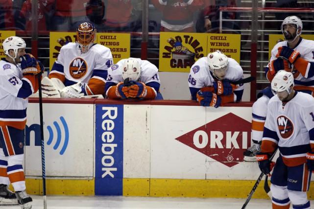 Le temps est venu pour les Islanders de New York de descendre les bannières et... (Photo: AP)