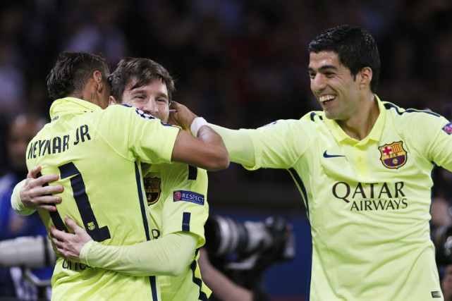 Avec 102 buts, le trio a franchi la... (Photo: Reuters)
