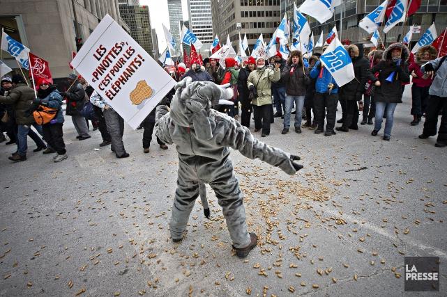 Des enseignants ont manifesté le 27 janvier à... (PHOTO PATRICK SANFAÇON, ARCHIVES LA PRESSE)