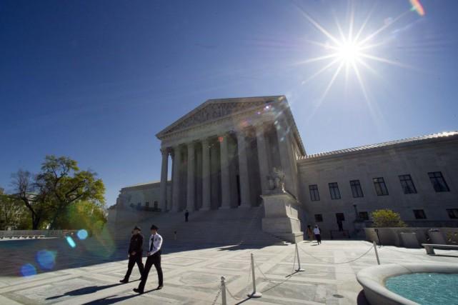 La Cour suprême des États-Unis a donné mercredi... (Photo Cliff Owen, AP)