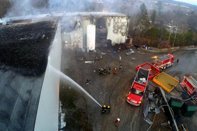 Un incendie a lourdement endommagé les installations de la compagnie Trudo,... (Photo collaboration spéciale Éric Beaupré)