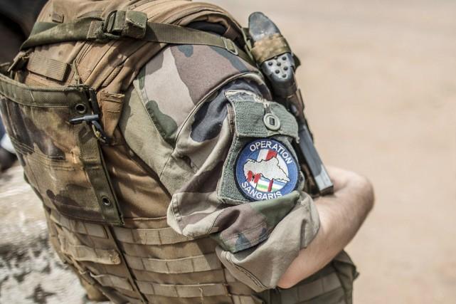 Le ministère français de la Défense a expliqué... (PHOTO MARCO LONGARI, ARCHIVES AFP)