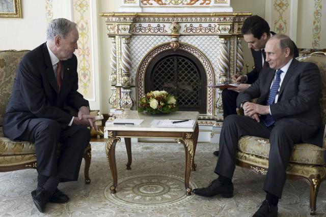 Vladimir Poutine et Jean Chrétien se sont rencontrés... (PHOTO ALEKSEY NIKOLSKYI, AFP / RIA NOVOSTI)