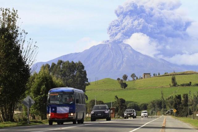 Dans les villes proches de Puerto Montt et... (Photo Carlos Gutierrez, Reuters)