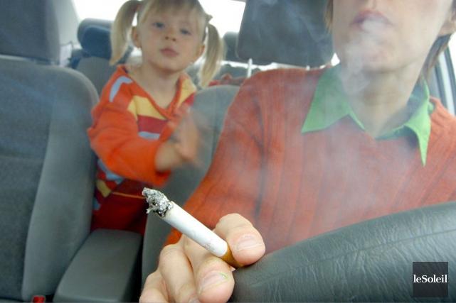 L'interdiction de fumer dans les automobiles avec des... (Photothèque Le Soleil, Jocelyn Bernier)