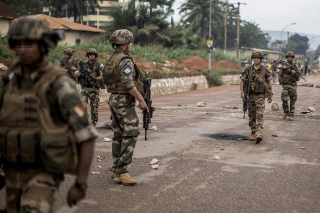 Une source judiciaire française a précisé que 14... (PHOTO MARCO LONGARI, ARCHIVES AFP)