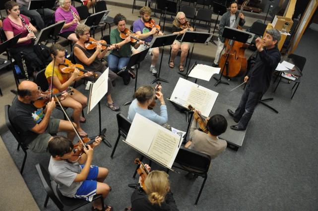 Ronald Braunstein en répétition avec son orchestre, composé... (PhotoJohn Siddle, fournie par Me2)